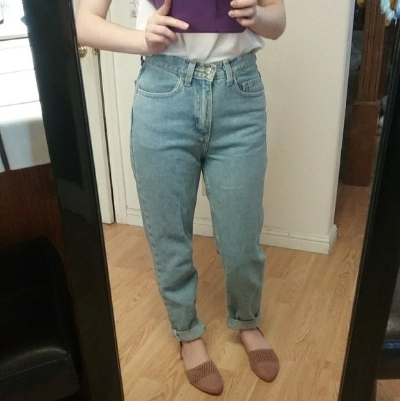 AA Petite High Waisted Mom Jeans Size 26